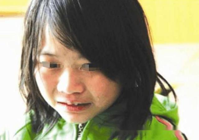 6歲女兒去世,半年後聽到門外有人哭著喊媽媽,她打開門後愣瞭