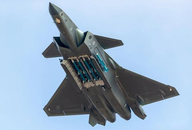 中國擁有瞭殲 – 20隱身戰機!印度:讓印軍再等15年是不可接受的選擇