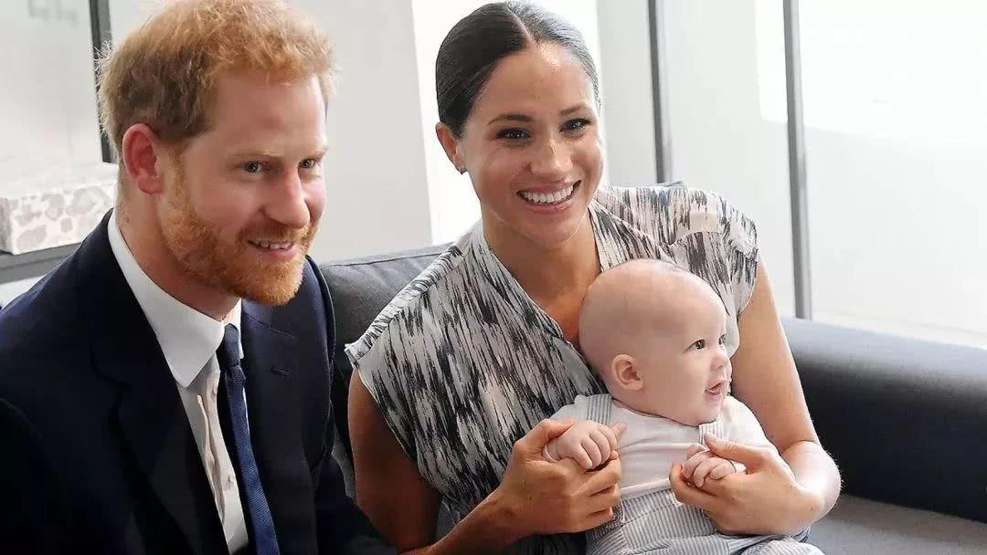 奇迹私服网站大全你没看错!哈里王子和梅根王妃来多伦多过圣诞节了