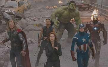 《复仇者联盟》片段 超级英雄纽约高楼大战入侵者