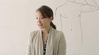 《双城故事》念念上中医课却是个韩国老师 中医就给中文教