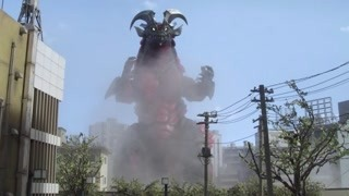 三只怪兽陷入混战 奥特曼:我现在慌得一匹!