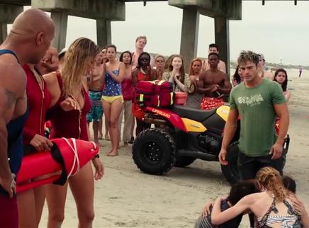 《海滩游侠》片段:埃夫隆鲁莽救落水群众遭责怪