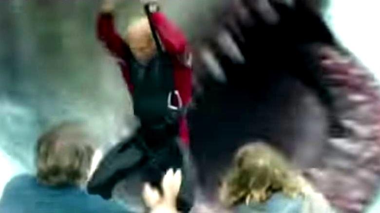 《巨齿鲨》首曝电视预告