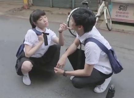 """《六弄咖啡馆》花絮 董子健颜卓灵片场耍宝""""笑""""果十足"""