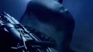 超级鲨海中大战机器鲨