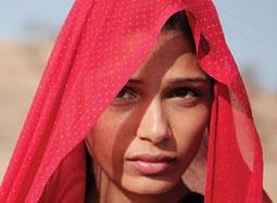 """""""富翁女""""《特莉萨娜》预告 印度财主之子爱不起"""