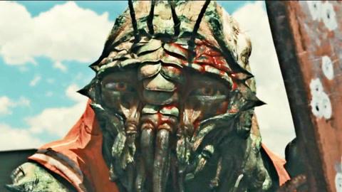 男子被外星基因寄生,身体变异成外星怪物,和外星昆虫成为了兄弟