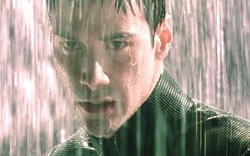 《骇客帝国3》精彩片段 里维斯雨中殊死对决特工