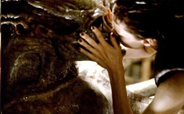 《异形4》预告女神变身女魔头 人类与怪兽的乱伦