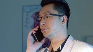 刀锋下的替身:康复中心通知张道文有两个病人出事