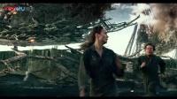 《变形金刚5:最后的骑士》世界未亡永不投降,马克·沃尔伯格与劳拉·哈德克在战火中激吻