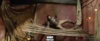 勇敢者游戏:决战丛林(片段-祸不单行 强森大闹露天市场)