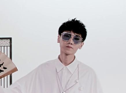 《唐人街探案2》推广曲MV 汪苏泷热血嗨唱《摇滚唐人街》