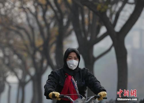 北京遭遇五級重度污染天氣