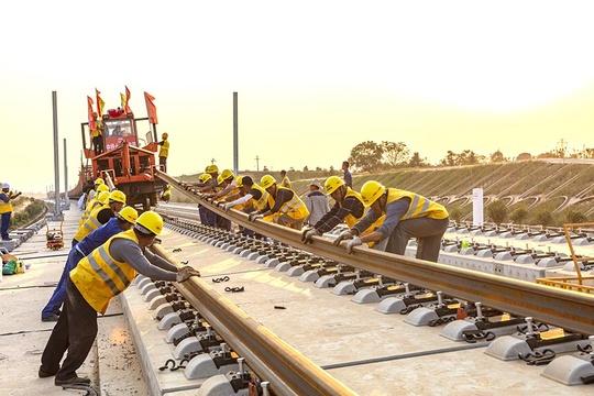 昌贛高鐵:國慶期間鋪軌忙