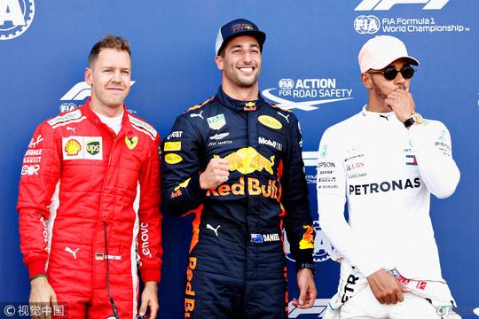 高清:F1摩纳哥站排位 里卡多杆位维特尔第二