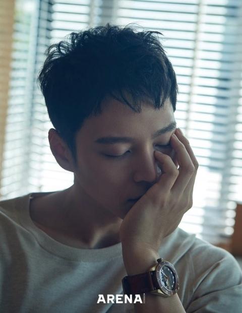 組圖:韓星周元退伍后首拍雜志寫真 氣質沉穩魅力足