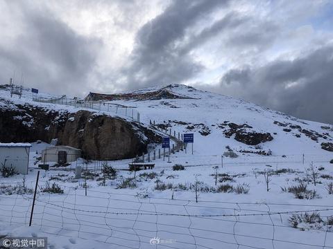 黃金周下大雪 西藏納木錯景區停止接待游客