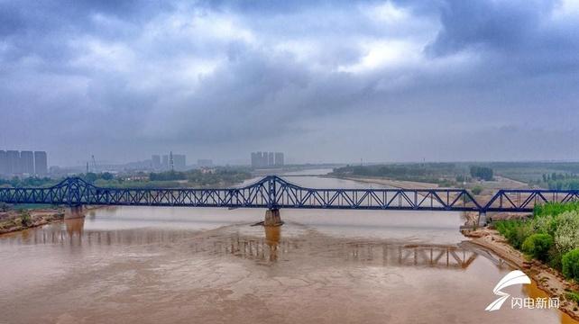 瞰百年黄河大桥 曾由詹天?#21451;?#22336; 至今仍在使用