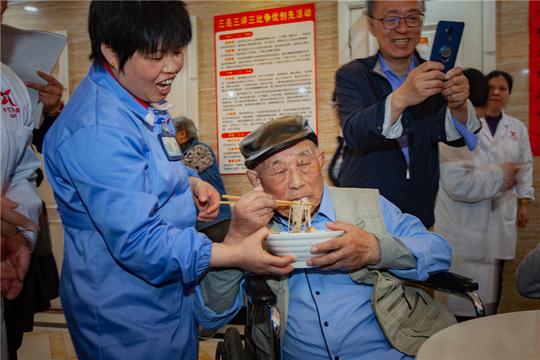 这个养老院出了五位百岁老人!