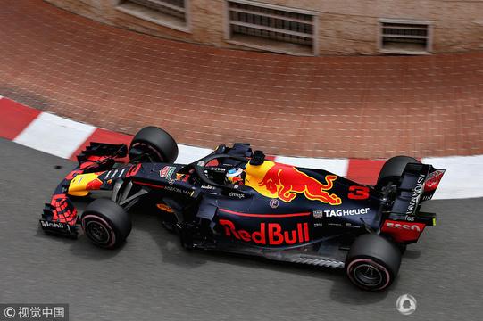 高清:F1摩纳哥站二练 红牛车队包揽一二