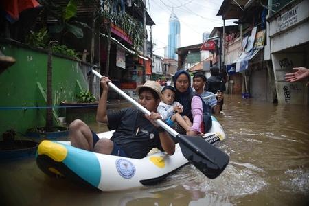 印尼雅加达洪灾 已致5人死亡
