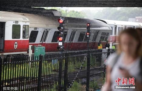 美国波士顿地铁再出脱轨事故