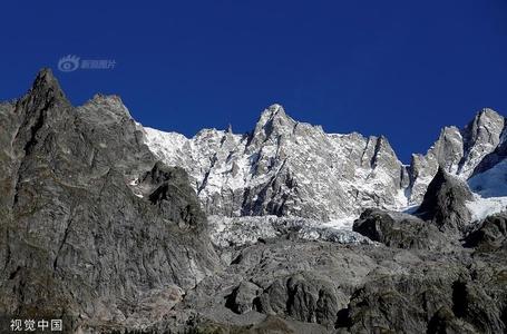 全球变暖 阿尔卑斯山冰川要塌!