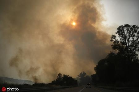 以色列一天20多起火灾 数千人被迫撤离