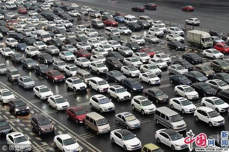 """春运来临 节前各地高速公路车流""""看涨"""""""