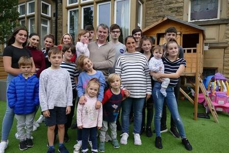 英国夫妇将迎来第22个孩子