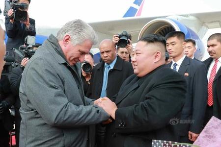 古巴领导人结束访朝 金正恩亲赴机场欢送