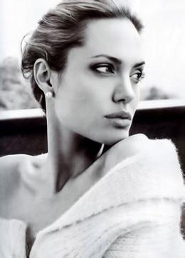 安吉丽娜·朱莉