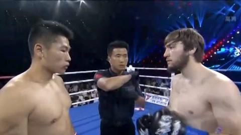 武林风男子68公斤级超级战 张忍超强组合进攻力克亚瑟
