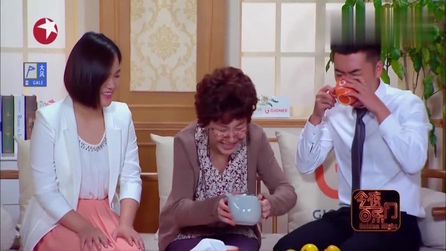 丈母娘给女婿到茶,女婿直接喝了,丈母娘瞬间勃然大怒!