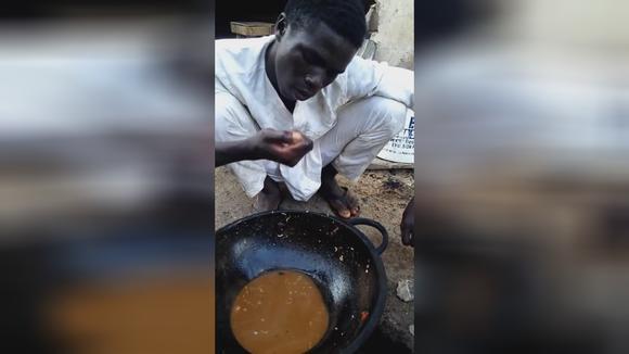 非洲人吃面条 是不喝汤的