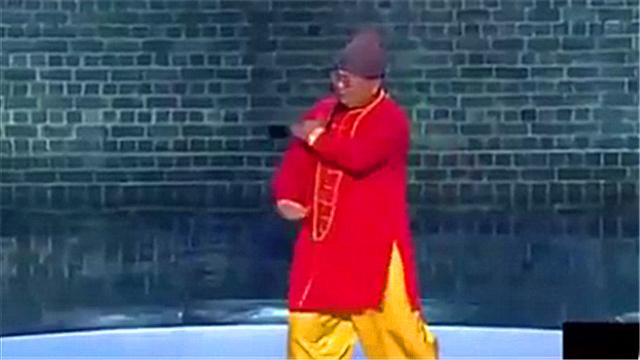 笑傲江湖:灵巧胖子一人多角演绎新白娘子 舞动全场