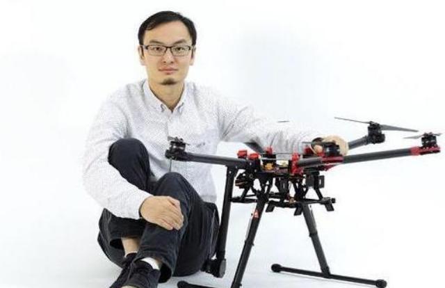 2018dnf私服cdk破解他带领中国科技走向世界之巅,更是美国最忌惮的存在,他就是大疆科技创始人