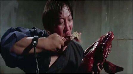 盘点洪金宝吃戏场景:牢饭都能吃得这么香,看饿了