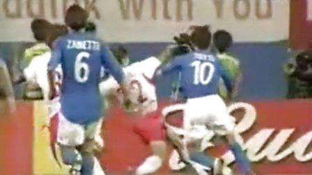 陋的韩国队是怎么进入2002年韩日世界杯的四强!恶心!