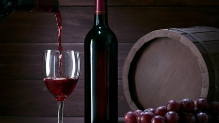 在家自己做葡萄酒:喜欢喝葡萄酒的小伙伴们注意了,一起来学学吧